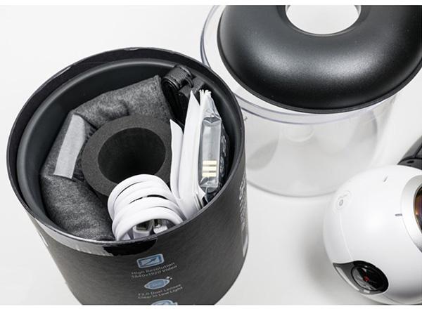 محتویات داخل بسته دوربین واقعیت مجازی سامسونگ gear 360