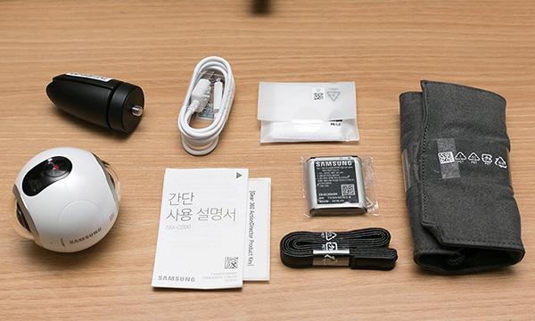 محتویات بسته بندی دوربین واقعیت مجازی سامسونگ gear 360
