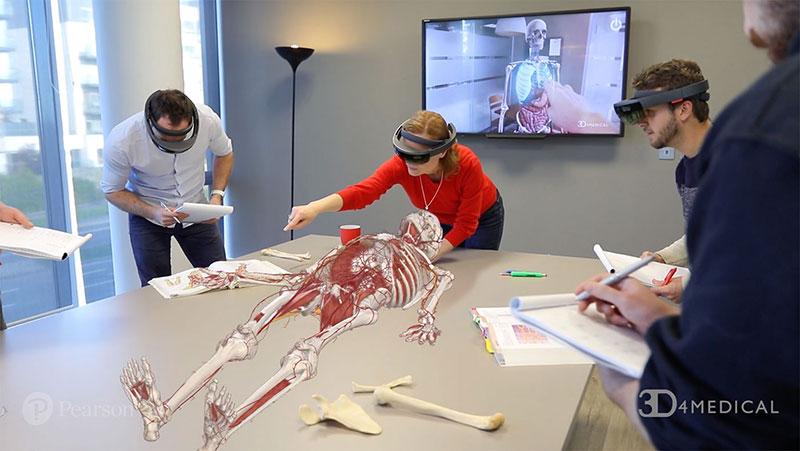 آموزش آناتومی با عینک واقعیت افزوده هولولنز