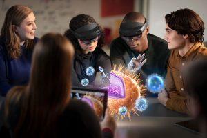 آموزش زیست با عینک واقعیت افزوده هولولنز